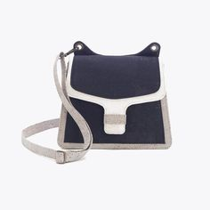 Mini Shoulder bag, Opening with magnetic snap and closure, Interior and exterior pockets with zipper More product details below. Price includes shipping. The Details Smooth cork materialColor: Black White Fast Fashion, Textile Design, 5 Years, Minimalist Fashion, Sustainable Fashion, Leather Purses, Portugal, Fashion Accessories, Textiles