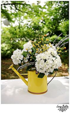 summer wedding buffet centerpiece