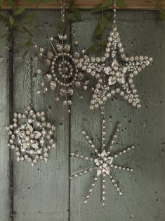 """Great idea for Xmas """"Glam Inspiration"""" by Dishfunctional Designs: A Beautiful Bohemian Christmas Bohemian Christmas, Noel Christmas, Winter Christmas, All Things Christmas, Vintage Christmas, Christmas Ornaments, Snowflake Ornaments, Wall Ornaments, Beaded Ornaments"""
