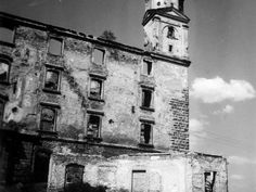Pozrite si, ako vyzeral Bratislavský hrad na starých fotografiách Bratislava, San Francisco Ferry, Times, Retro, Building, Places, Travel, Beautiful, Viajes