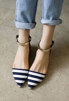 nautical pointed flats