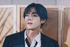 oh bad boy, em da bi trung loi nguyen Daegu, Kim Taehyung, Kpop, Bts Group, Most Beautiful Man, Taekook, Korean Singer, Dancer, Handsome Guys