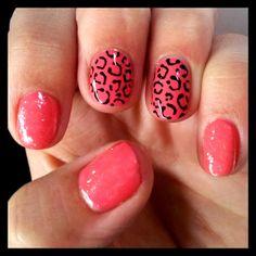 http://dahlia-nails.blogspot.co.uk/2013/11/passionate-polish.html