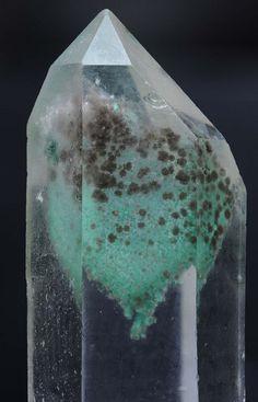 + Quartz ❦ CRYSTALS ❦ semi precious stones ❦ Kristall ❦ Minerals ❦ Cristales ❦