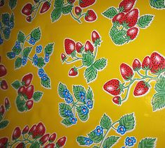 FOREVER-Yellow-STRAWBERRY-Oilcloth-Fabric-Tablecloth-Material-Party-Picnic-Table