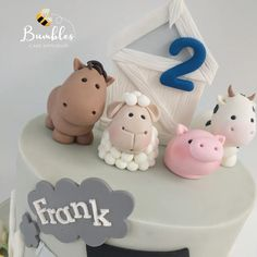 """Bumbles Cake Emporium 🐝 on Instagram: """"Close up on those adorable animals! Made using @saracinodolci modelling paste."""" Barnyard Cake, Modeling Paste, Adorable Animals, Farm Animals, Place Cards, Place Card Holders, Party, Instagram, Parties"""
