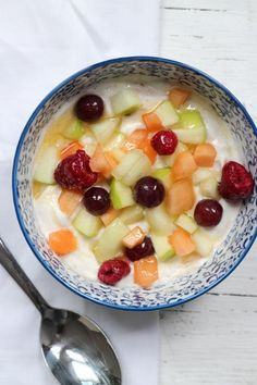 Ontbijttip: cottage cheese with cinnamon, fruit and honey - Nice and simple