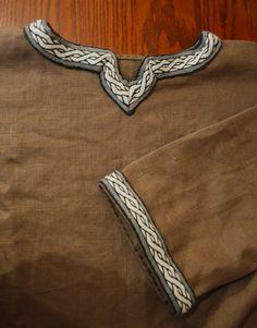 Tablette de Reconstruction tunique Viking parage par AstridReco