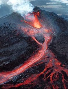 Pu'u O'o Lava River,  Hawaii