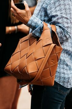 Postman Bag, Loewe Bag, Leather Gifts, 2020 Fashion Trends, Vogue, Fashion Bags, Women's Fashion, My Bags, Leather Backpack