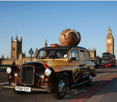 Check out our ultimate guide to 101 things to do in London in Find the very best things to do, eat, see and visit, from the South Bank and the Shard to Kew Gardens and Hampstead Heath. Pick from weekend activities, day trips or lunchtime adventures. Experiential Marketing, Guerilla Marketing, Taxi Advertising, Weekend Activities, Things To Do In London, Time Out, City Streets, Stunts, First World