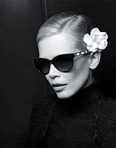 Claudia Schiffer - Chanel