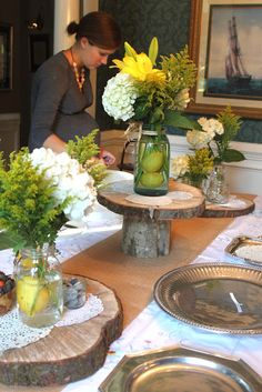 Cut wood pedestal for cakes, cupcakes, flower arrangements and more! CREATE STUDIO: A Rustic Feminine Wedding Shower Party Kulissen, Shower Party, Party Ideas, Shower Cake, Rustic Wedding Showers, Bridal Shower Rustic, Wedding Rustic, Bridal Shower Decorations, Wedding Decorations