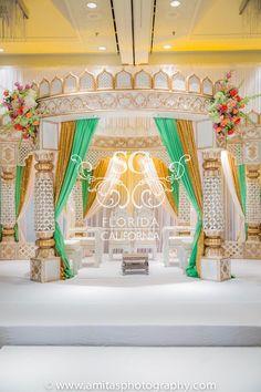 Amita S. Photography, Kavita and Saharsh, Hilton Tampa Downtown, Suhaag Garden… Indian Wedding Venue, Wedding Mandap, Big Fat Indian Wedding, Destination Wedding, Wedding Venues, Wedding Planning, Wedding Ideas, Wedding Hall Decorations, Marriage Decoration
