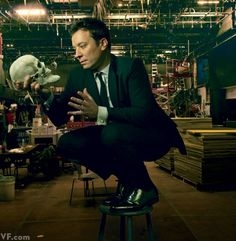 Jimmy Fallon Brings The Tonight Show Back to Its New York City Roots Photo by Annie Leibovitz. Saturday Night Live, Jimmy Fallon, Annie Leibovitz Photography, Vanity Fair Magazine, James Thomas, Corporate Portrait, Tonight Show, Famous Faces, New York City
