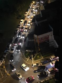 Caos na rua Bartholomeu de Gusmão no Rio Vermelho