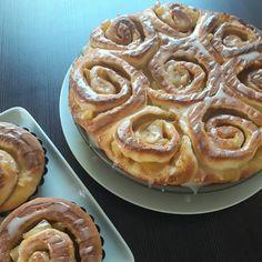 Kysnuté škoricové rolky - Receptik.sk Pie, Desserts, Food, Tailgate Desserts, Pastel, Deserts, Meal, Tart, Fruit Tarts
