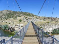Visit the largest hot springs at Hot Springs State Park in Wyoming. This incredible park has it all: hot springs, bison, and a swinging bridge! Alaska Travel, Alaska Cruise, Travel Usa, Yellowstone Vacation, Yellowstone National Park, National Parks, Wyoming State, Wyoming Cowboys, Spearfish Canyon