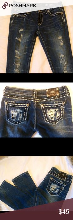 """Miss Me straight distressed with hidden bling Miss Me straight distressed with hidden bling on back pockets. Excellent condition sz 30 with 30"""" inseam Miss Me Jeans"""