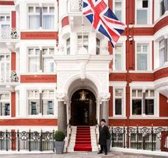 After undergoing an extensive 18-month refurbishment, this stunning 5-star hotel offers understated contemporary style, classical elegance and a long tradition of offering the highest standards of hospitality and service. This London townhouse has a superb location in a quiet cul-de-sac, just off St. James's Street in the heart of London's prestigious Mayfair district. Green Park London Underground station is nearby, as are the exclusive shops and restaurants of Jermyn Street, the Burlington…