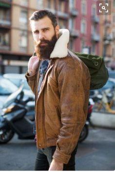 Shearling at Milan Fashion Week Fashion Week Hommes, La Fashion Week, Street Looks, Street Style, Mens Leather Coats, Leather Jackets, Brown Leather, Hoodie Jacket, Bomber Jacket