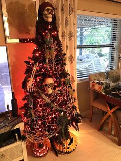 Halloween tree 2016