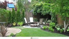 DIY landscaping ideas on a budget for modern backyard with outdoor furniture Backyard landscaping grass Small Backyard Landscape Small Yard Landscaping, Small Backyard Gardens, Modern Backyard, Backyard Garden Design, Large Backyard, Small Garden Design, Outdoor Gardens, Patio Design, Backyard Designs