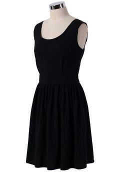 Little black dress - Twisted Knot Back Dress in Black//