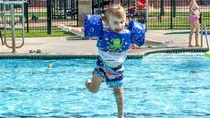 My toddler drowned. Here's my warning about puddle jumpers Sports Nautiques, Blessing Bags, Swim Lessons, Life Lessons, Water Safety, Learn To Swim, Three Year Olds, What I Want, Abc News