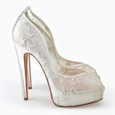 A Breathtaking Collection of White Bridal Shoes for Your Wedding Day ... plateforme-bridal-shoes └▶ └▶ http://www.pouted.com/?p=25094