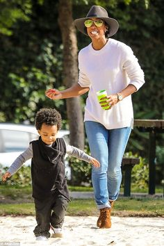 Who said adults can't have fun too? Kelly Rowland embraced her playful side on Thursday as she was spotted having fun with her son Titan, two, at the park in Beverly Hills Kelly Rowland Style, Miss Kelly, Outing Outfit, Mommy Style, Famous Women, Celebs, Celebrities, Black Love, Street Chic