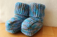 New baby booties: free knitting pattern on Ravelry
