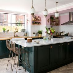 Take a look at our green kitchen ideas, from painted green cabinets to glossy green units and walls Love green colour schemes? Take a look at our green kitchen ideas, from painted green cabinets to glossy green units and walls Green Kitchen Island, Dark Green Kitchen, Green Kitchen Decor, Green Kitchen Cabinets, Home Decor Kitchen, New Kitchen, Kitchen Ideas, Pink Kitchen Walls, Pink Walls