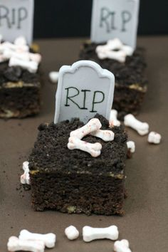 Halloween is coming and this brownies recipe is a fun one to do! RIP Brownies #Halloween #RIP #brownies #recipe
