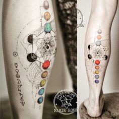 L'oeil du divin pour Julie #planet #planettattoo #marieroura #finelinetattoo #epureatelier #metatronscube #sacredgeometrytattoo #sacredgeometry