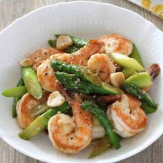 Thai Recipes, Asian Recipes, Cooking Recipes, Pinapple Cake, Food Menu, Food Plating, Dessert Recipes, Food And Drink, Favorite Recipes