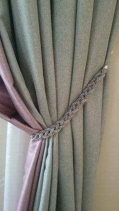 Shabby Chic Curtains, Home Curtains, Burlap Curtains, Kitchen Curtains, Home Room Design, Curtain Tie Backs, Bathroom Wall Art, Dream House Plans, Curtain Designs