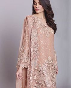 Peach 💕 my favorite💕 i own way too many clothes in this shade/color 😂 Pakistani Party Wear, Pakistani Wedding Outfits, Pakistani Bridal, Pakistani Dresses, Indian Dresses, Pakistani Fashion 2017, Pakistani Couture, Ethnic Fashion, Asian Fashion