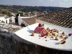 Gelado de framboesa com compota de maçã, biscuit de canela e paraliné de avelã  #gelado #framboesa