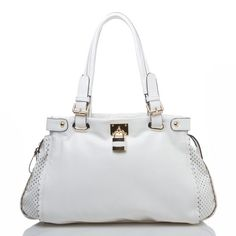 I'll probably get it dirty in one day, but I really want a white handbag.