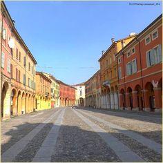 Streets of #Correggio... La #PIcOfTheDay #turismoer di oggi passeggiata tra le vie del centro storico della città di #Correggio, #ReggioEmilia 😊 complimenti e grazie a @manuel_194  Today's #PicOfTheDay #turismoer walks through the #streets in old town center of the city of #Correggio, #ReggioEmilia Congrats and thanks to @ manuel_194