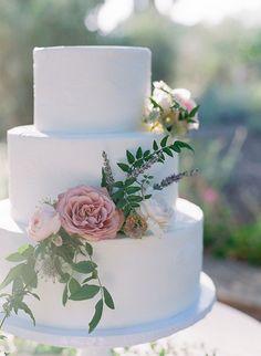 Fern and Rose Floral Cake Decor | Samantha Kirk Photography | http://heyweddinglady.com/lavender-garden-wedding-shoot-carmel-valley/