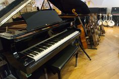 Bom dia! Pianos novos e usados, encontra no Salão Musical de Lisboa. Venha experimentar! www.salaomusical.com