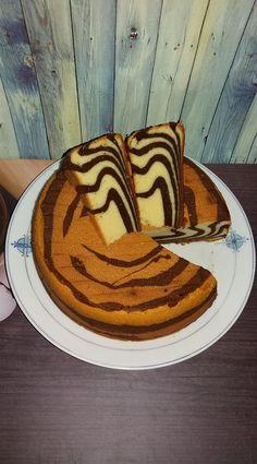 Cake Zebra Putih telur by Erna Soewiryo Brownie Recipes, Snack Recipes, Cooking Recipes, Delicious Cake Recipes, Yummy Cakes, Marbel Cake, Bolu Cake, Oreo Pudding, Resep Cake