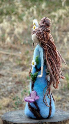 Muñeca fieltro arte de aguja Waldorf inspirado lana muñeca