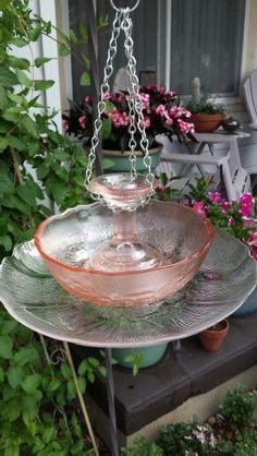 My Glass Garden pretty pink glass bird feeder - Garden Art Glass Bird Bath, Diy Bird Bath, Glass Birds, Glass Garden Flowers, Glass Garden Art, Glass Art, Garden Totems, Garden Pond, Shade Garden