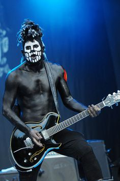 wes borland and his yamaha Nu Metal, Heavy Metal, Metal Bands, Rock Bands, Rock Band Posters, Limp Bizkit, Guitar Players, Gibson Les Paul, Character Costumes