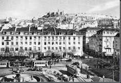 Hotel Francfort 1968.2 Rossio Paris Skyline, New York Skyline, Historical Photos, City, Travel, 1950, Old Photographs, Old Pictures, Pigeon Loft