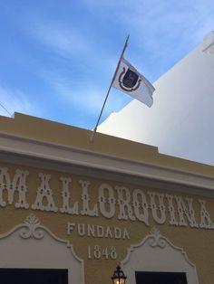 Bandera con Escudo en la Mallorquina. 3:25pm