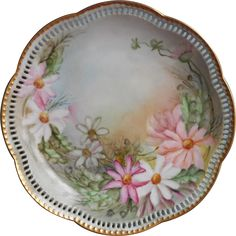 Antique Schumann Hand painted China Plate Reticulated Bavaria www.rubylane.com #vintage #antiques #antiquechina #handpainted #plate #collectible Vintage Plates, Vintage China, Hand Painted Plates, China Plates, China Painting, Fine China, Bavaria, Fine Dining, Pink Flowers